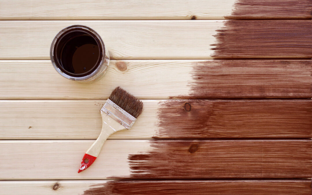 A Step-by-Step Guide on How to Paint and Stain Outdoor Wood Furniture